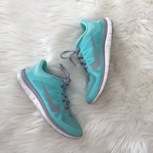 Nike Free Run 4.0 Sneakers